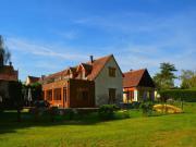 Location gîte, chambres d'hotes Pamoja - deux grandes maisons de vacances au bord d'un lac pour 14 et 16 pers dans le département Indre et Loire 37