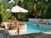 Location gîte, chambres d'hotes Appartement 4 personnes avec piscine en provence dans le département Bouches du rhône 13