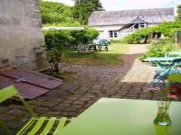 Location gîte, chambres d'hotes Maison de Village - Jardin clos Bord de Rivière - Appartement 4 personnes dans le département Sarthe 72