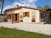 Location gîte, chambres d'hotes Gîte Epernon, proche Langon, Saint Emilion, Sauternes. Maison indépendante ancienne restaurée, 85m² dans le département Gironde 33
