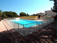 Location gîte, chambres d'hotes Fréjus 2 pièces résidence fermée/piscine/pétanque dans le département Var 83