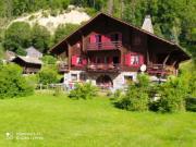 Location gîte, chambres d'hotes LE CHALET 74 vallée du brevon,en pleine nature dans le département Haute Savoie 74