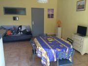 Location gîte, chambres d'hotes Appart 4 p dans village médiéval authentique dans le département Var 83