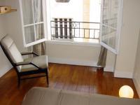 Location gîte, chambres d'hotes Chambre et suite de charme à PARIS dans le département Paris 75